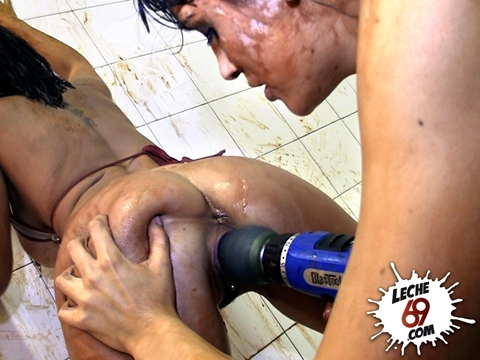 Lucha de barro con taladropolla