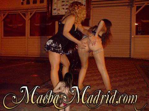 Maeba y SandritaX calentando a los del botellón
